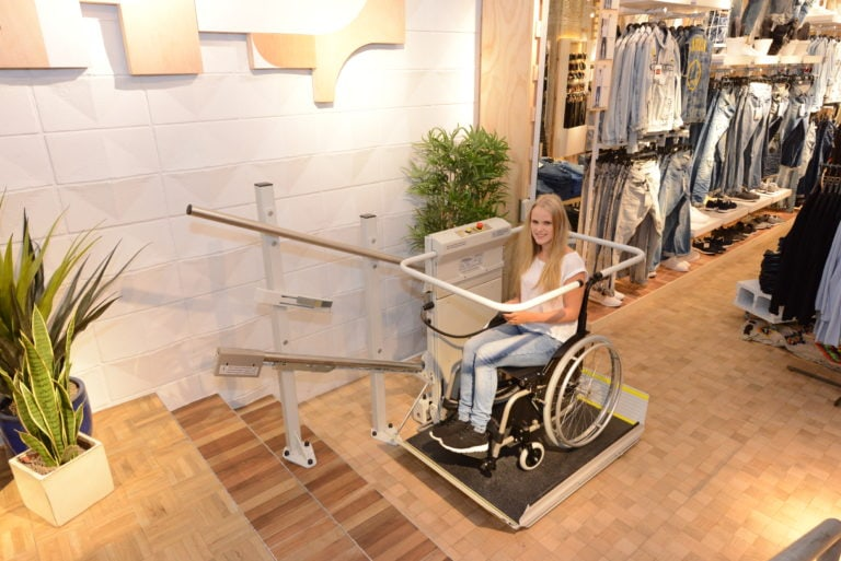 S7 SR Inclined Platform Stair Lift